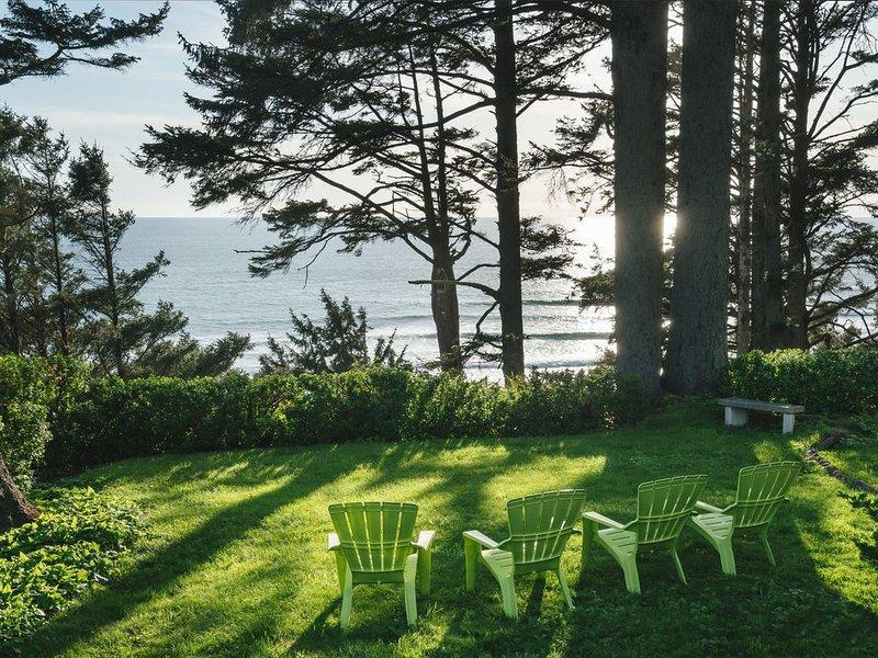 Breathtaking views, Lush private gardens, Classic Mid-Century, Pool Table, alquiler de vacaciones en Nehalem