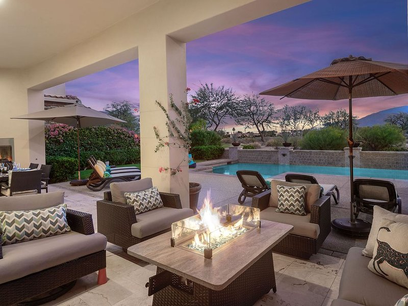 'Desert Gem' 4BR PGA West Villa, 5th Green, Pool, Spa #767487, casa vacanza a Mecca