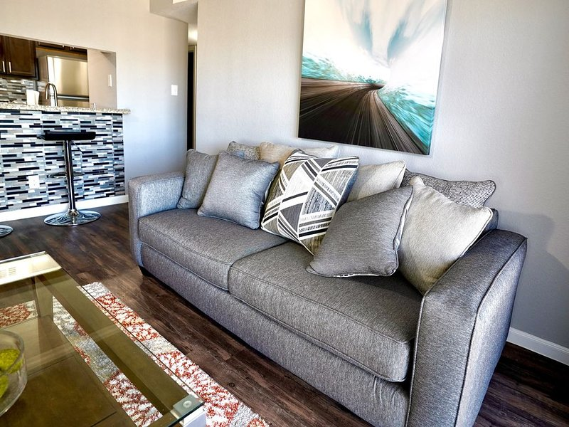 Cozy Chic 2bed/ 2bath Apartment Home Near IAH- A, alquiler vacacional en New Caney