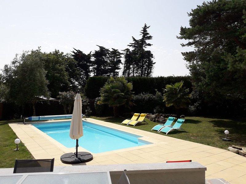 Superbe villa de charme avec piscine privée. 10 min de la Baule, holiday rental in Saint Andre des Eaux