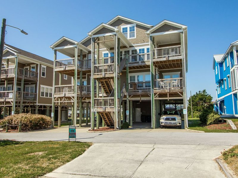 Beautifully decorated and great ocean views with this newly updated condo., vacation rental in Atlantic Beach