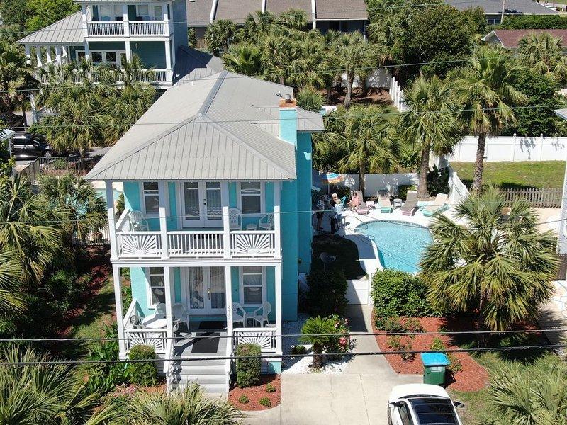 Summer 2021 Booking Fast ~ Private Pool!, aluguéis de temporada em Sunnyside