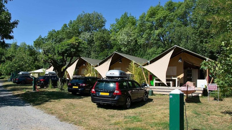 Luxe Sanitary 5 Pers Villatent at 4-Star top campsite in the Ardèche near Privas, holiday rental in Pranles