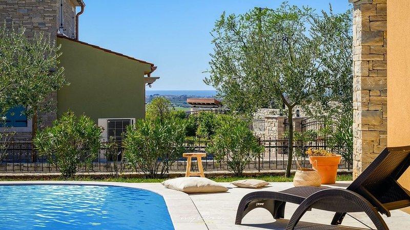Charming villa with private pool near Umag, location de vacances à Petrovija