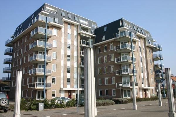 Modern eingerichtete Ferienwohnung für 4 Personen in Cadzand; nur 100 Meter vom, location de vacances à Cadzand