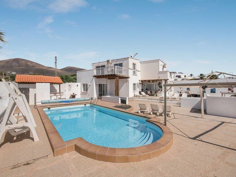 Villa Casa Nira mit Meerblick, Bergblick, WLAN, Garten, Balkon, Terrasse, Sauna, alquiler de vacaciones en Mácher