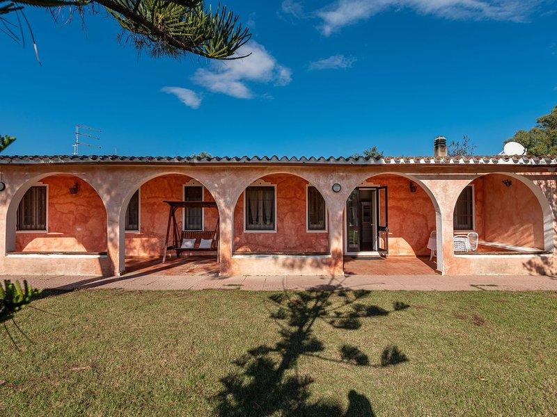 Villa Serra am Meer mit eigenem Tennisplatz, Terrasse, Garten und Klimaanlage; P, location de vacances à Capitana