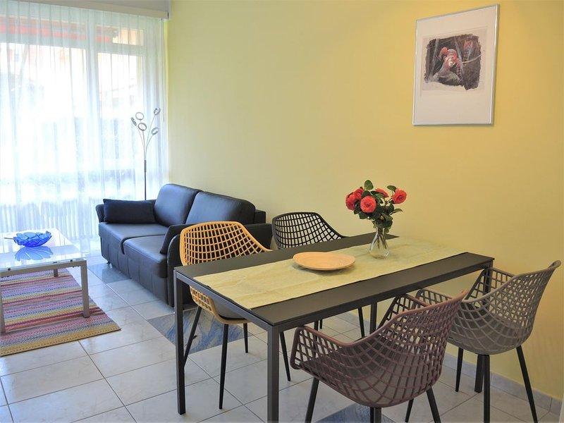 Gartenwohnung an ruhiger Wohnlage, mit Gartensitzplatz, ideal für Urlaub ohne Au, holiday rental in Locarno