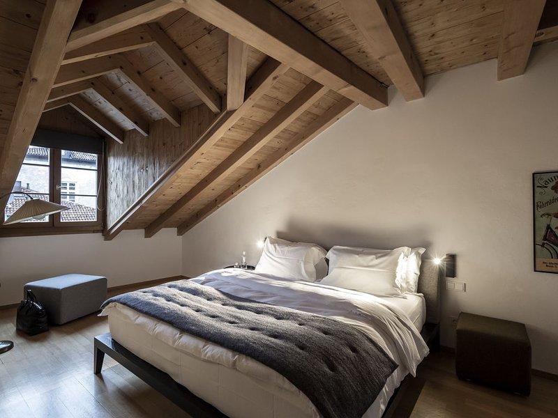 Luxuriöse Ferienwohnung Wilhelm Auguste-Goldenstern mit Sauna, WLAN und Terrasse, holiday rental in Andriano