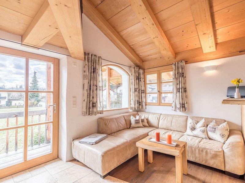 Charmante Ferienwohnung am Eichenwald mit Bergblick, WLAN & Balkon; Parkplätze v, holiday rental in Bad Endorf