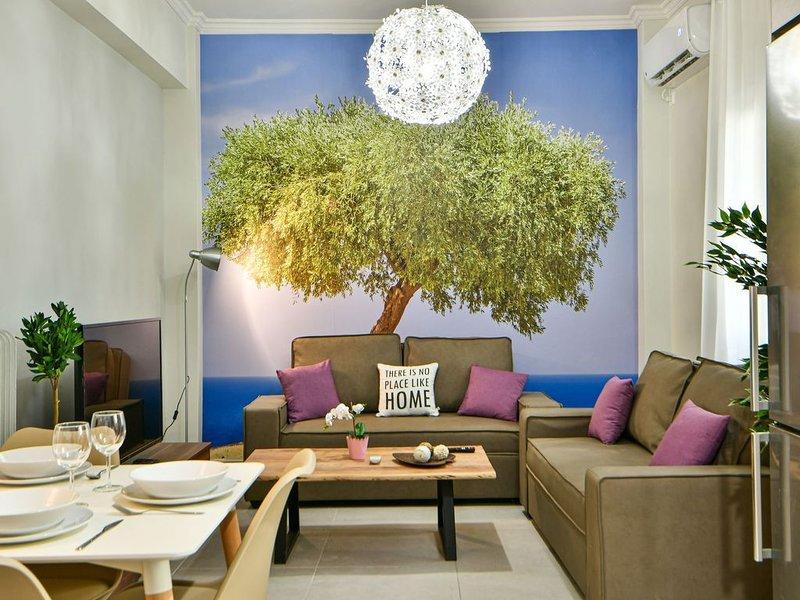 Fresh & renovated apartment next to metro station, holiday rental in Dafni