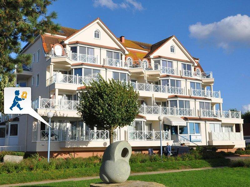 Erste Strandlage - direkt an der Kurpromenade, holiday rental in Laboe