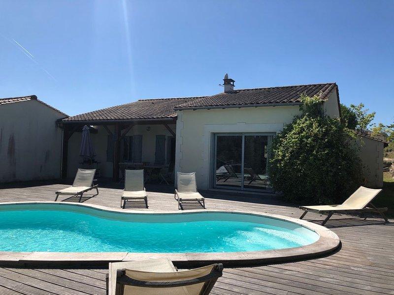 Le Tilleul - Villa charmant avec piscine privé, location de vacances à Parcoul