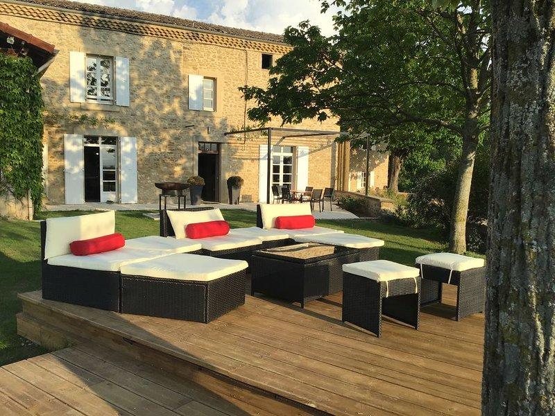 Agréable bastide provençale avec piscine, vacation rental in Chabeuil
