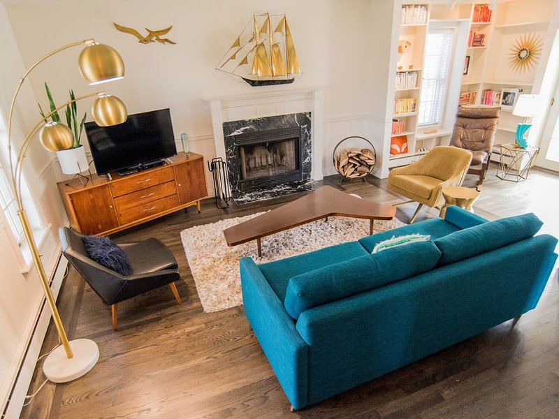 Mid-Century Charmer on the Hill, vacation rental in Saugatuck