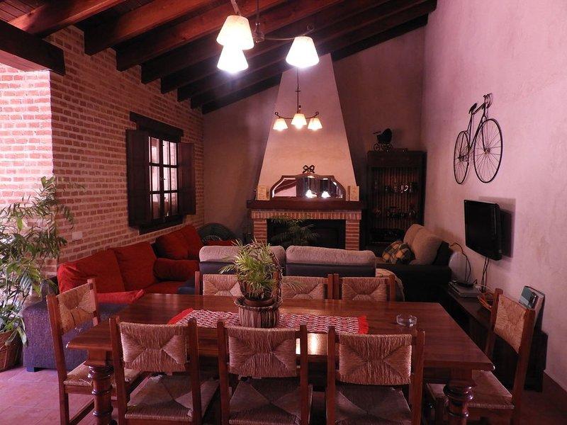 Casa rural (alquiler íntegro) Vallehermoso para 12 personas, location de vacances à La Solana