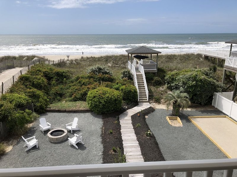 Ocean Front - Beautiful beach and views, newly refinished, vacation rental in Ocean Isle Beach