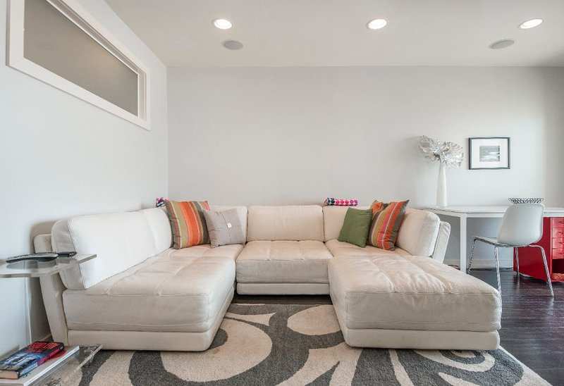 Beautifully Remodeled Oceanfront Condo!!!, vacation rental in Oceanside