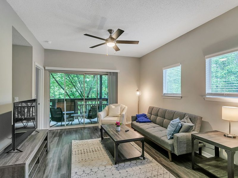 Luxury 2BR Suite in the Heart of North Atlanta, vacation rental in Norcross