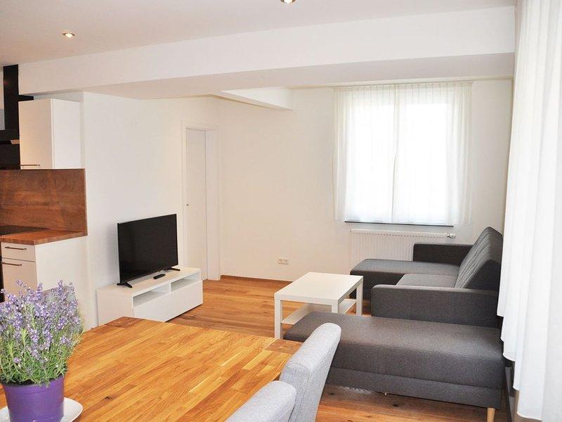 Ferienwohnung 2, 85qm, 2 Schlafzimmer, max. 6 Personen, holiday rental in Langenargen