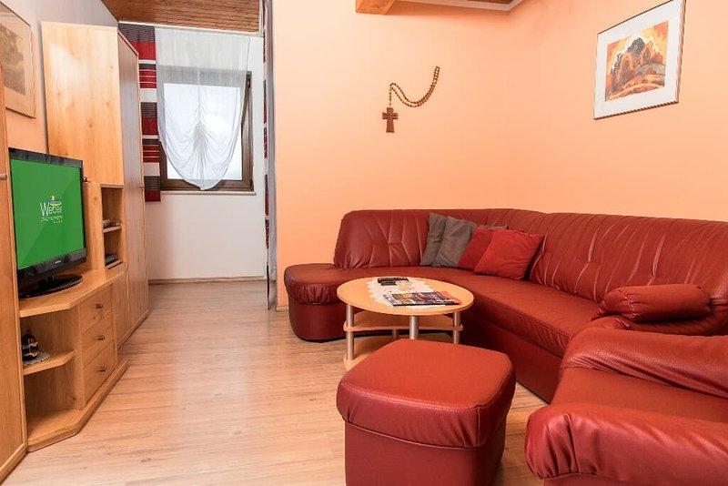 Ferienwohnung mit buchbarer Verpflegung im Ortsteil Haibühl, holiday rental in Lohberg