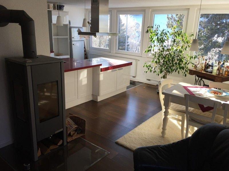 Moderne Ferienowhnung (75 qm) mit Kinderzimmer und Whirlpool Badewanne, vacation rental in Ebern