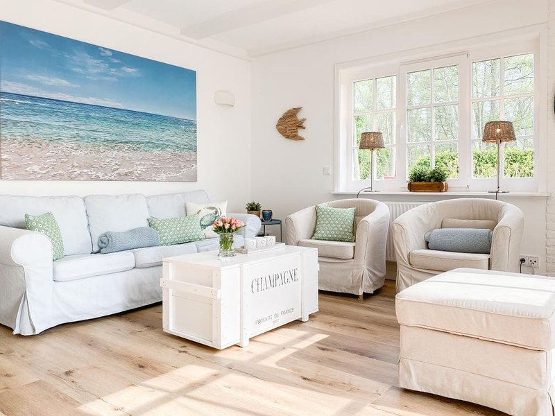 Strand Cottage -charmant mit Strandflair, Terrasse und Garten-, vacation rental in Timmendorfer Strand