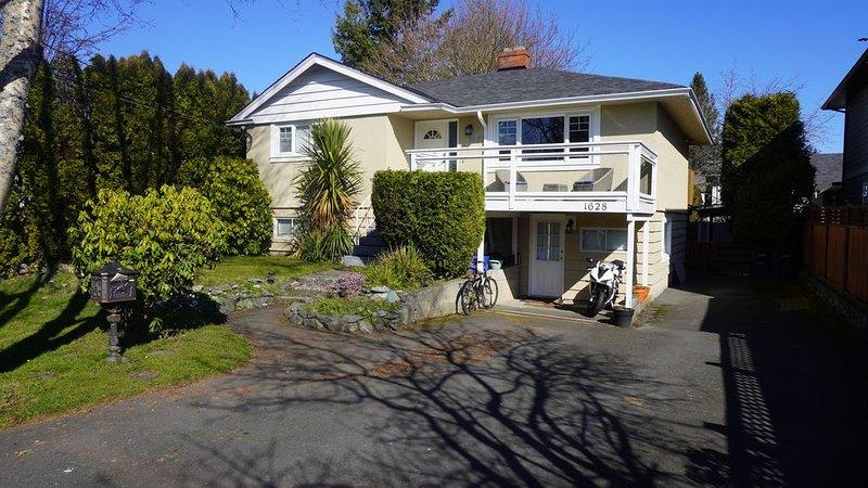 Brightly Lit Home In Victoria BC, casa vacanza a Isola di Vancouver