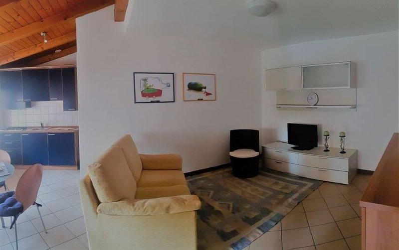 CRI. Grazioso appartamento in Udine Centro Storico. Primo piano - Wifi, vacation rental in Udine