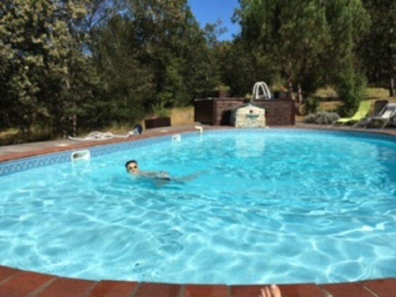 Gîte 8 personnes, 2 piscines, 2 parkings privés 'Aux Gîtes du Causse', holiday rental in Correze