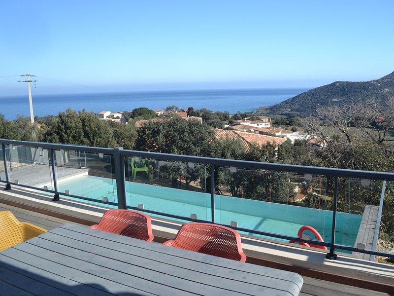 Très belle  maison moderne 4 chambres piscine chauffée dans un endroit  serein, vacation rental in Monticello