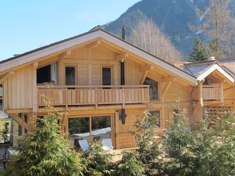 BEAU CHALET AUX PRAZ DE CHAMONIX, holiday rental in Les Praz-de-Chamonix