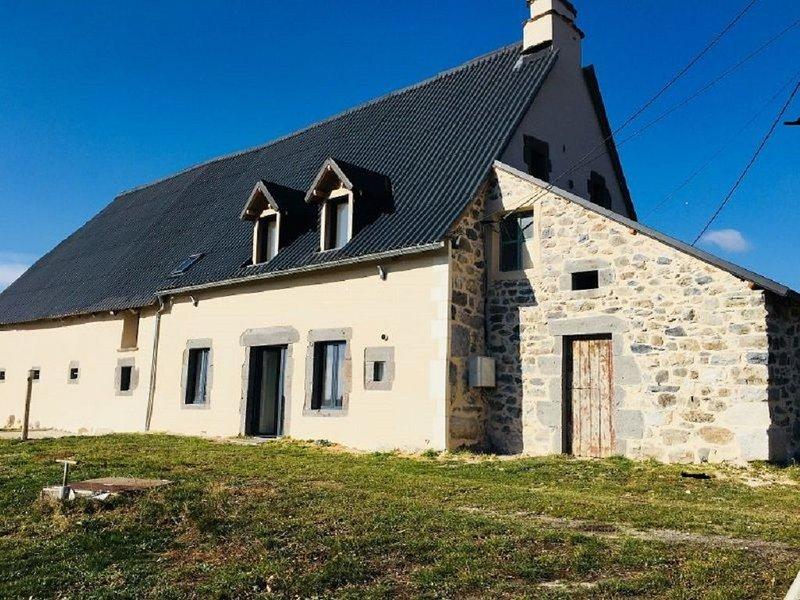 Maison individuelle la pave, location de vacances à Saint-Genès-Champespe