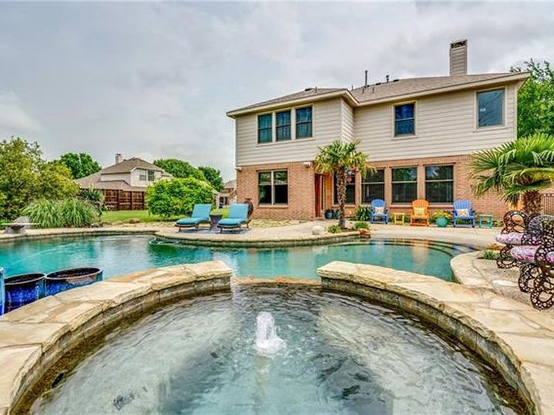Modern Spacious 5BR Paradise Pool/Spa•Entertainment Dist, vacation rental in Allen