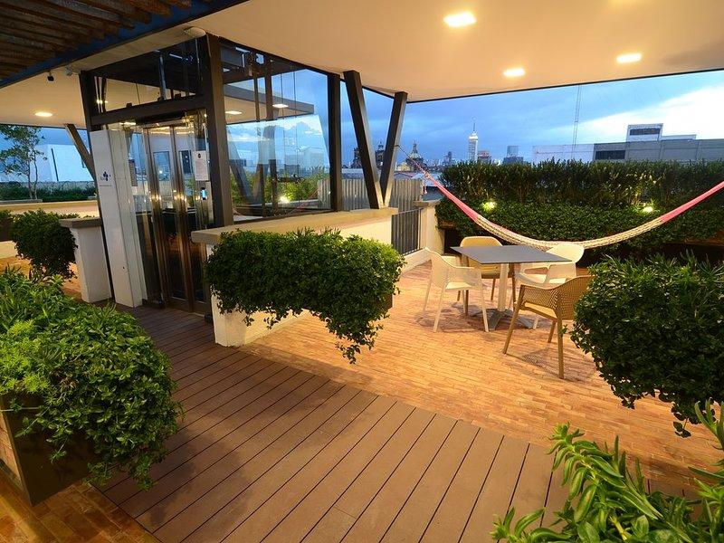 Cool Apt. Breathtaking Roofgarden Centro Historico, holiday rental in Ecatepec