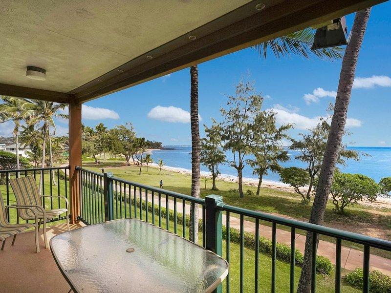 Corner Top Floor Beachfront Penthouse in Kapaa, vacation rental in Kapaa