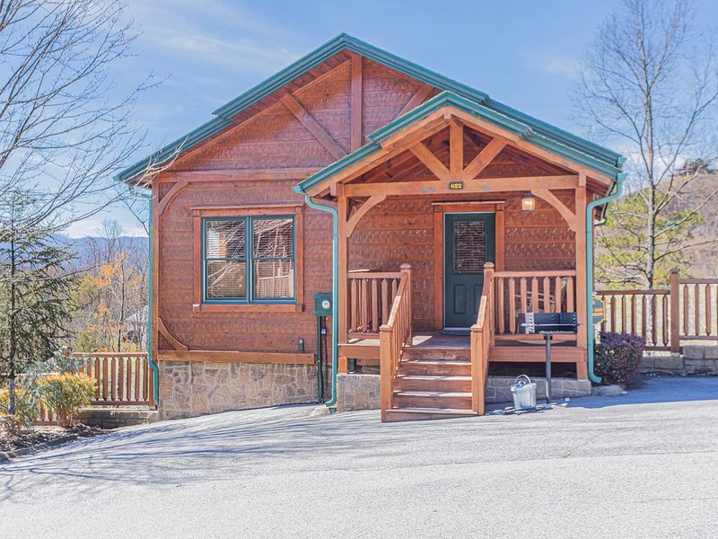 Mountain View's, Great Location, All New Furniture, holiday rental in Gatlinburg