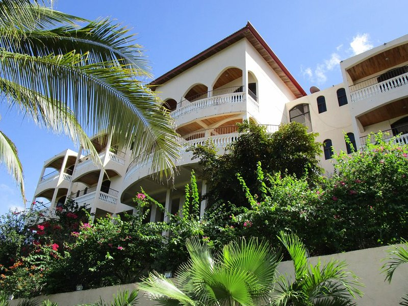 Casa Tranquila 3 bed Condo # 2 'Anthurie', vacation rental in Coco