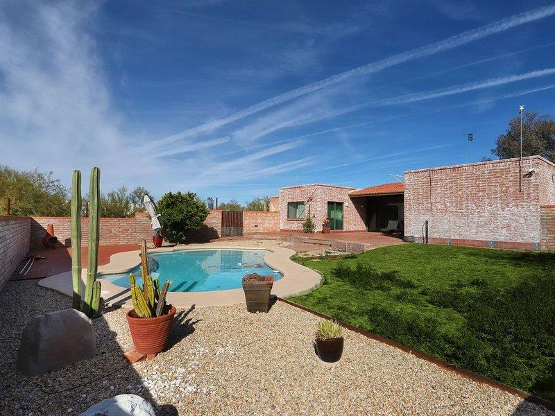 Relaxing Escape - Pool & Beautiful Views, alquiler de vacaciones en Casas Adobes