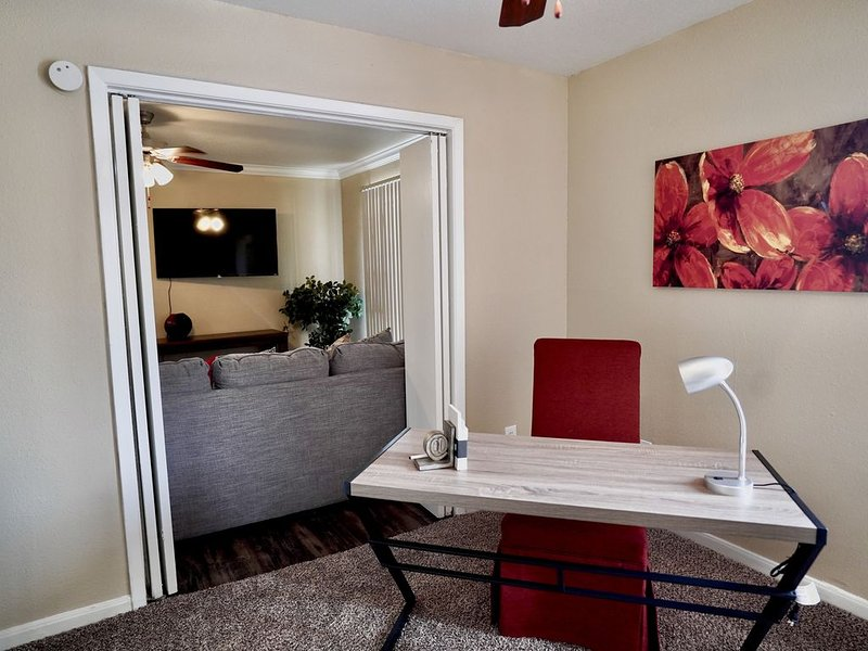 Work in/private office & Relax in Private Home, alquiler vacacional en New Caney