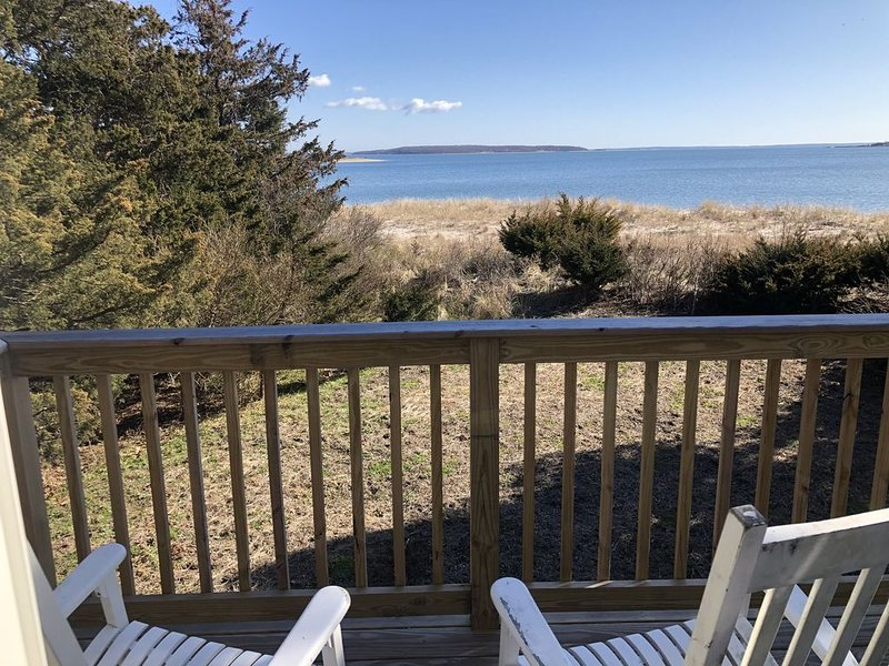 Spend the holidays overlooking the bay!, holiday rental in New Suffolk