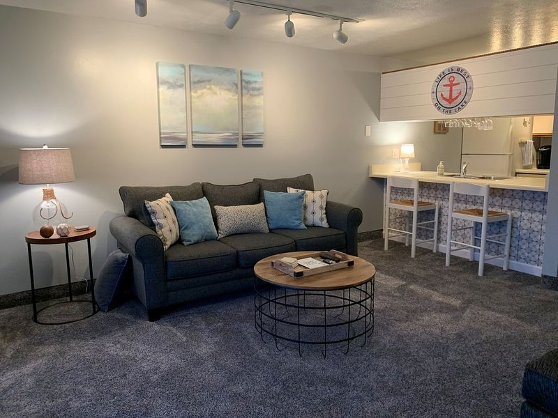Shiplap and Sunsets! (New to Market), holiday rental in Port Clinton
