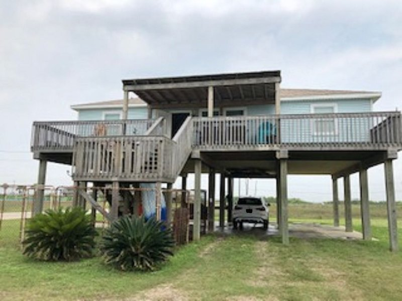REESE'S RENDEZVOUS: Great Views of the Beach!, alquiler vacacional en Surfside Beach