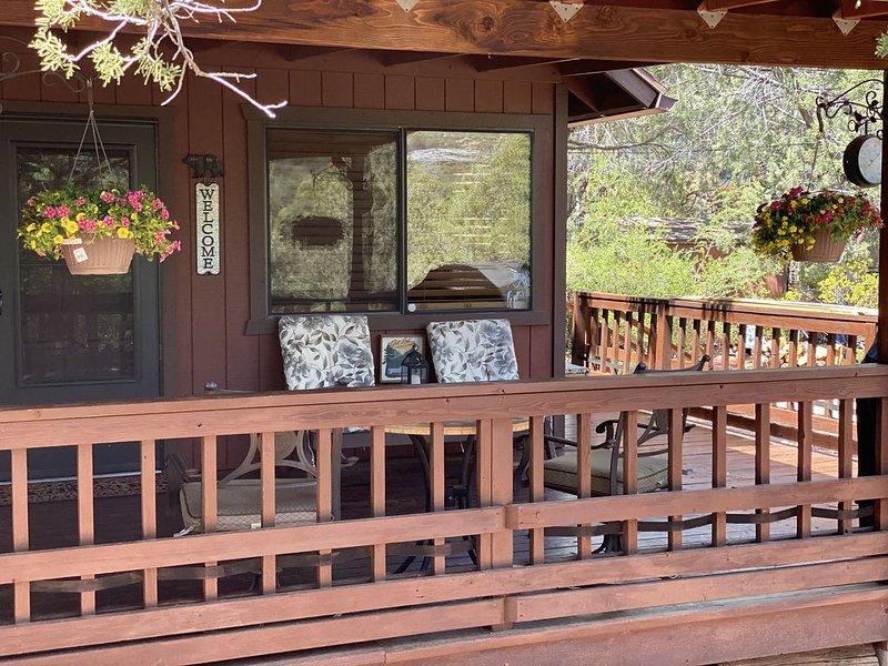 Relaxing Mountain Getaway, Rivers, Fishing, Trails, Waterfalls, Hiking, Cabin, location de vacances à Payson