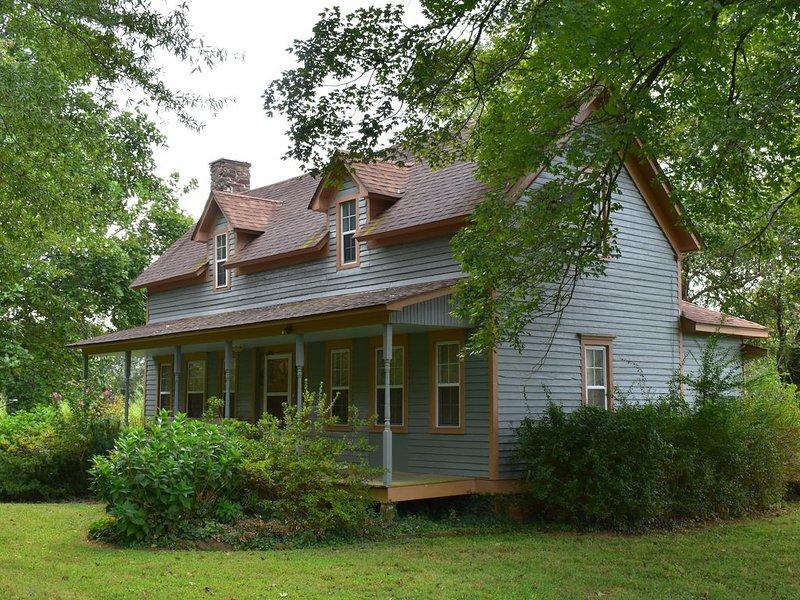 The Cass House on the Mulberry River / near OHV Trails, aluguéis de temporada em Coal Hill