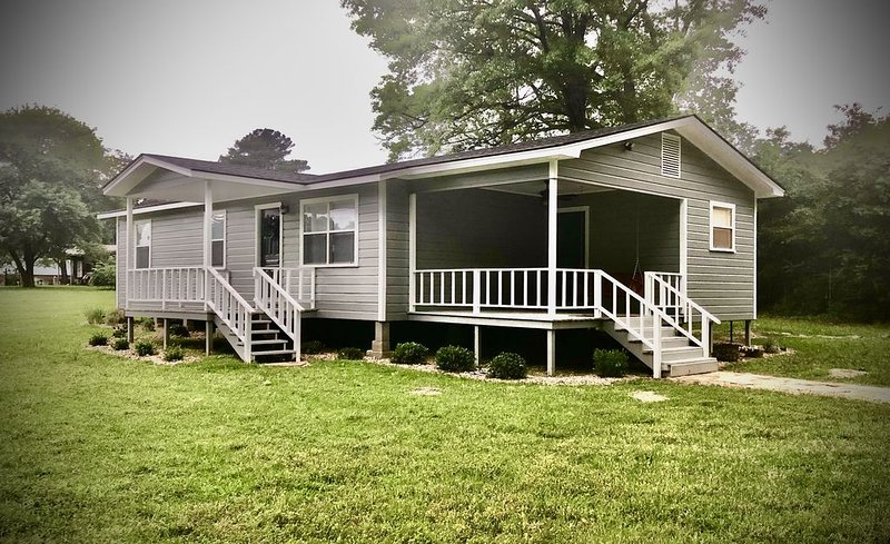 Toledo Bend Lake House in Six Mile Community, holiday rental in Milam
