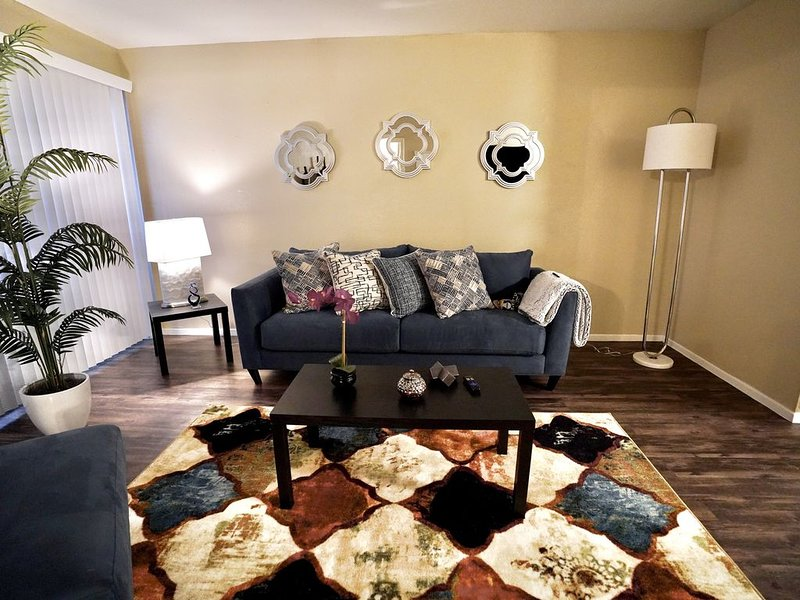 Hidden Gem- Private 2bed | 2bath |WORK|PLAY|STAY|, vacation rental in Spring