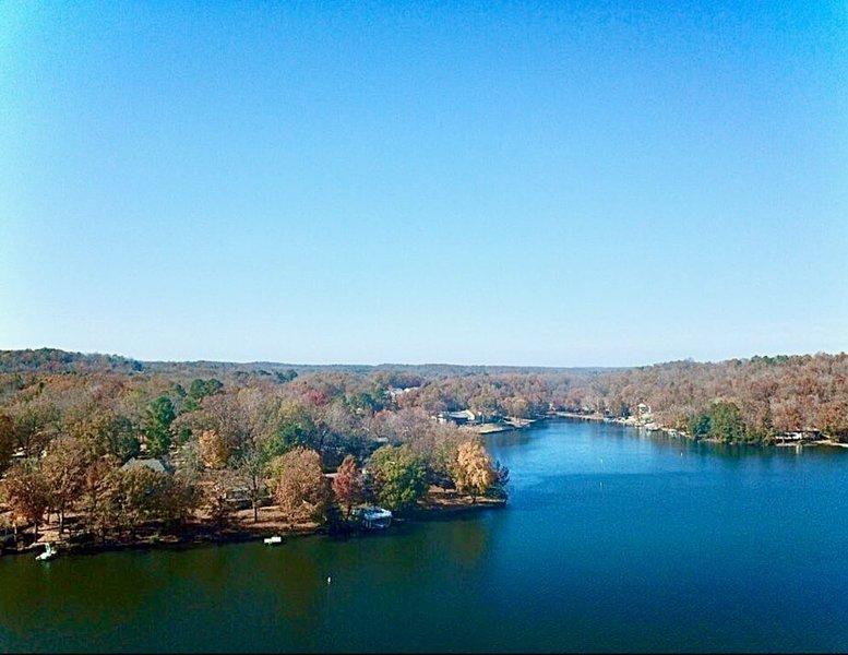 Starlight Lake Lodge on Lake Thunderbird, vacation rental in Cherokee Village