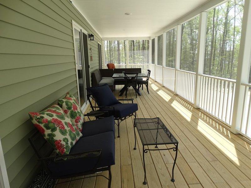 New Build Single Story Home, alquiler vacacional en Bumpass