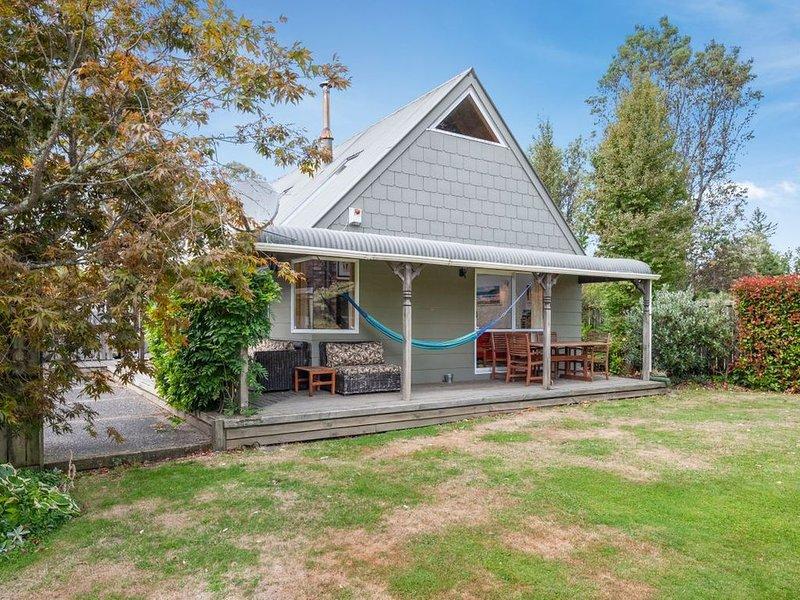 A Little Moore of Tongariro - Turangi Holiday home, holiday rental in Turangi